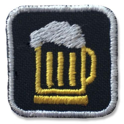 Pivo 2 mini nášivka / šírka 2,5 cm x 2,5 cm výška /